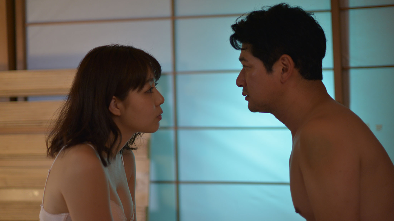 グラグラ グラビアアイドルの永岡怜子が主演。アラサーグラドルに舞い込んだ映画の仕事とは…